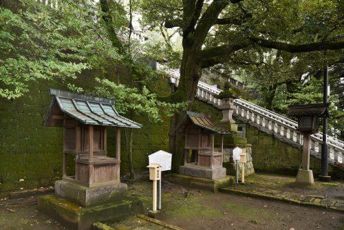 Stone fences of Futaarayama Shrine