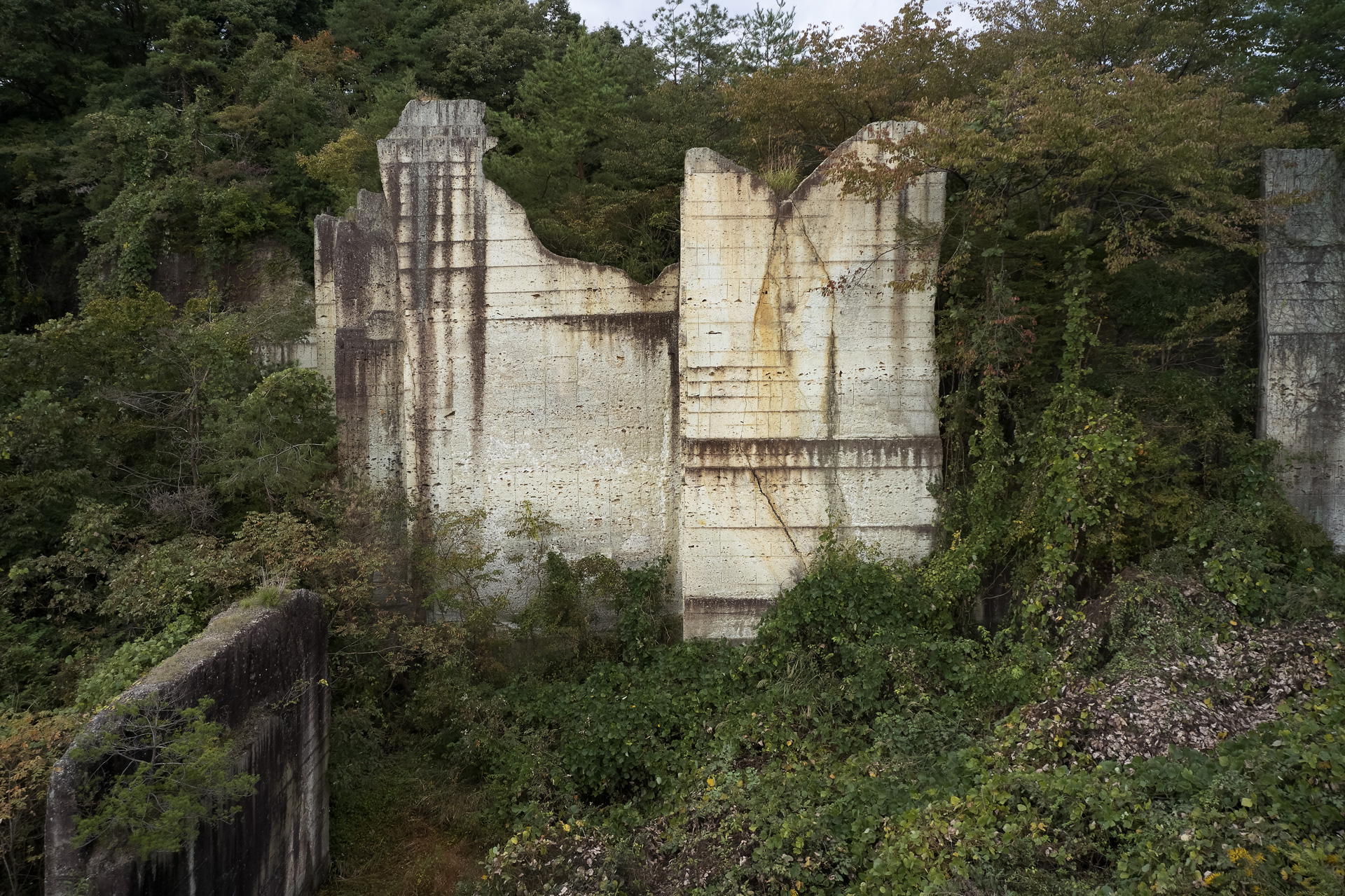 Hotel Mountain (Toya Quarry)