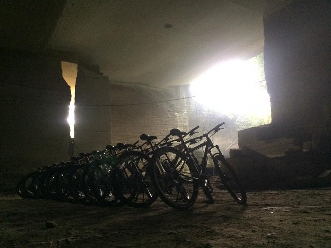 [Spring and autumn only] Oya underground excursion and Satoyama hiking & cycling (Duration: 1 day)